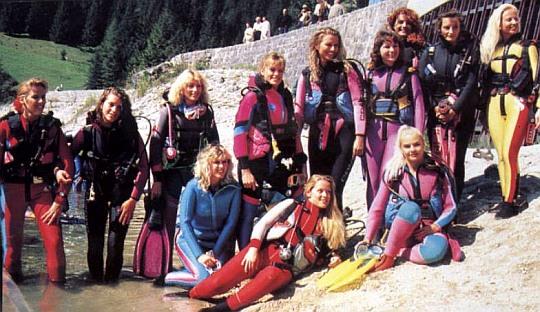 Búvár hölgyek